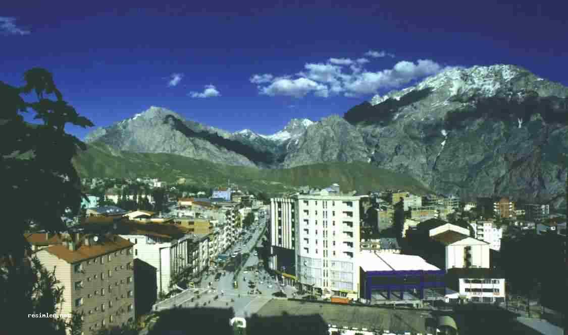 http://www.manzaralar.net/turkiye/illerimiz/HAKKARI/hakkari_gorunum_4.jpg